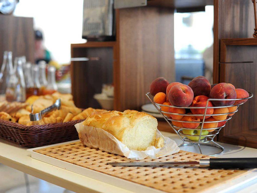 02-petit-dejeuner-brioche