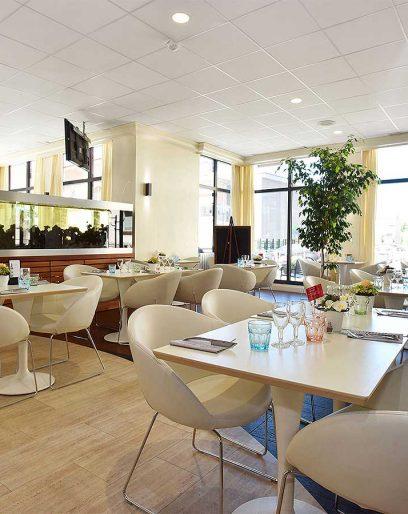 salle-restaurant-petit-dejeuner-408x514